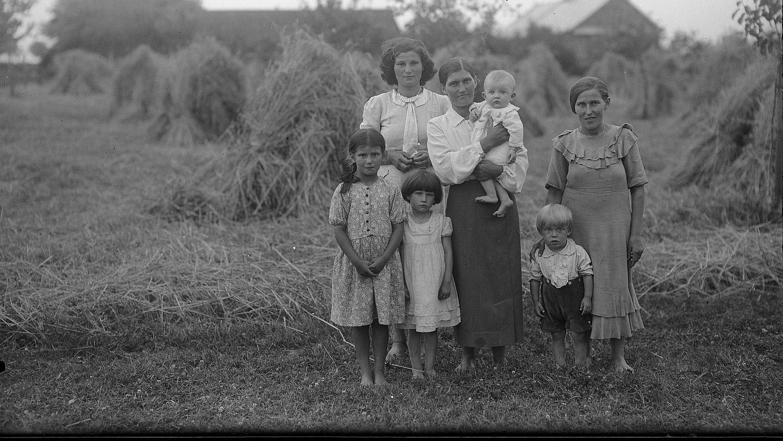 Służące z dziećmi w Garwolinie, 1939 rok
