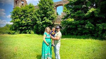 Sylwia z mężem i synkiem