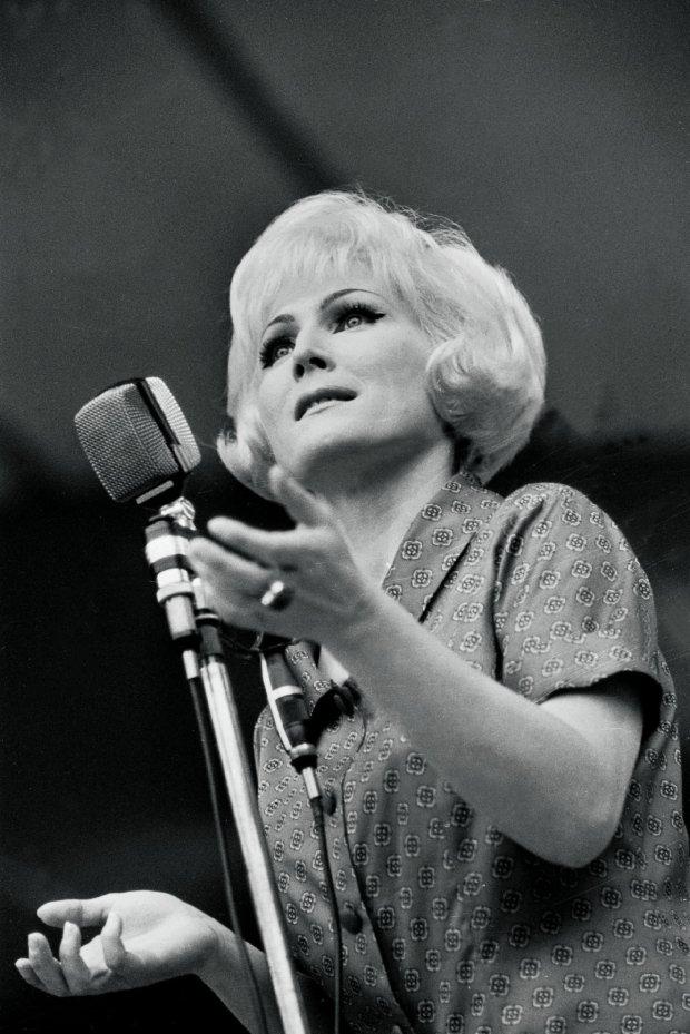 Opole 1966, Irena Santor