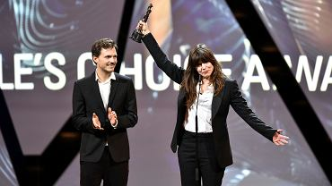 'Śniegu już nigdy nie będzie' Szumowskiej i Englerta polskim kandydatem do Oscara. Na zdjęciu: Europejskie Nagrody Filmowe. Małgorzata Szumowska odbiera nagrodę publiczności