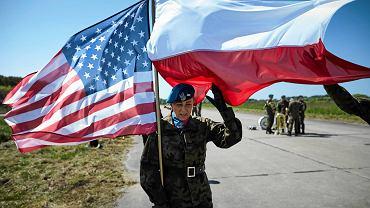 Redzikowo k . Słupska. Uroczystość wmurowania kamienia węgielnego pod budowę amerykańskiej bazy wojskowej.