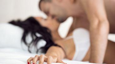'Czasami mężczyźni wkładają w 'robienie orgazmu' tyle wysiłku i próbują go na różne sposoby, że partnerka może naprawdę mieć dosyć'