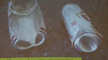 """Puszki po piwie ilustowały  wystąpienie dr Piotra Witakowskiego na temat rodzajów zniszczeń   """"konstrukcji powłokowej"""""""