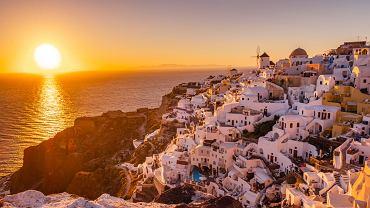 Najciekawsze małe miasteczka w Grecji - Oia. Zdjęcie ilustracyjne