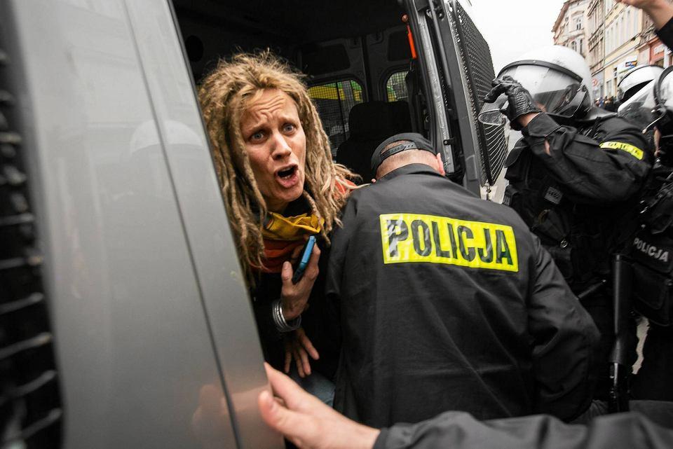Zdjęcie numer 1 w galerii - Policja broniła