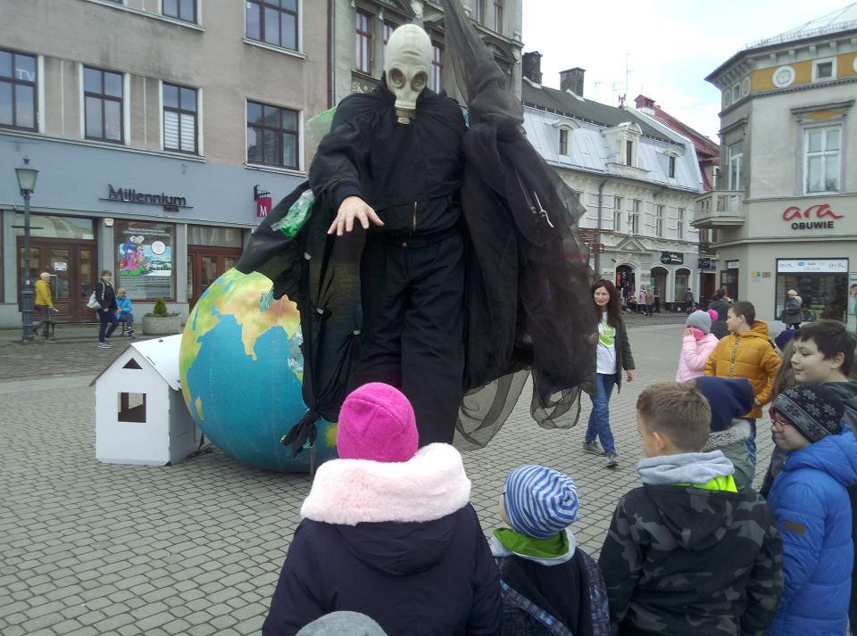 Bielsku-Białej 19 listopada odbył się happening z okazji XV Dnia Czystego Powietrza