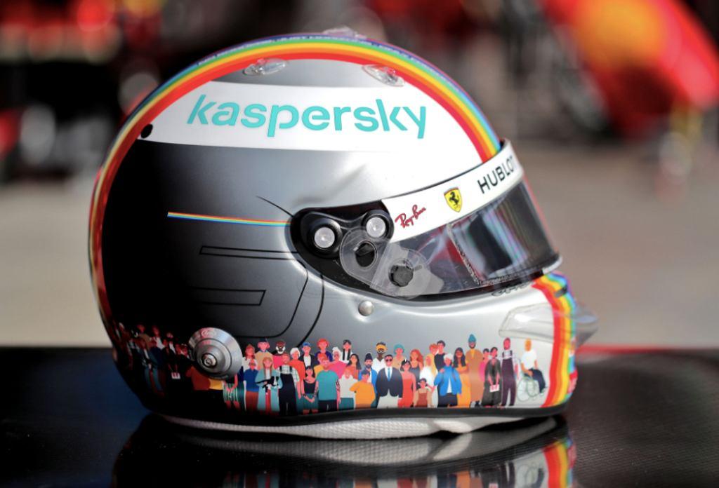 Sebastian Vettel i jego kask na GP Turcji