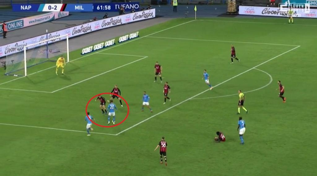 Piotr Zieliński w akcji, po której Napoli strzeliło gola Milanowi