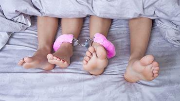 Sex zabawki przydają się jej, jemu, obojgu... Męskie też bywają różowe, zabawne i niekoniecznie są substytutem partnerki,