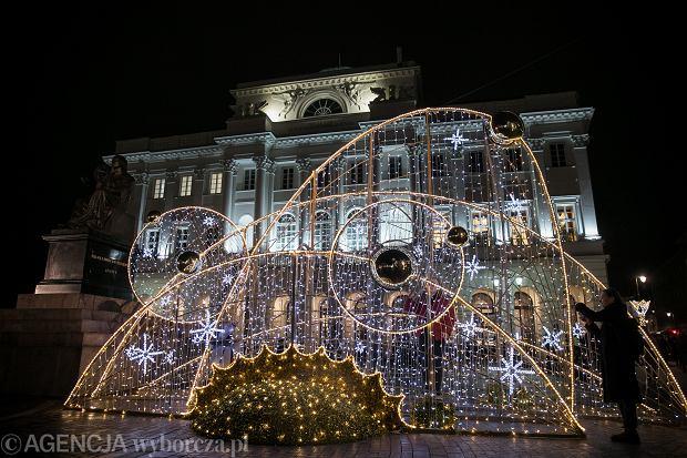 18.12.2019 Warszawa , Krakowskie Przedmiescie . Iluminacja swiateczna . Fot. Maciek Jazwiecki / Agencja Gazeta