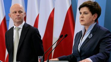 Minister finansów Paweł Szałamacha i premier Beata Szydło