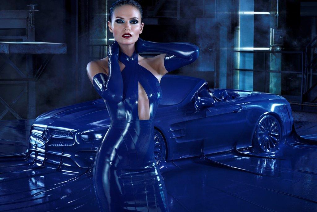 Mercedes SL | Wyjątkowa sesja z piękną modelka i... lateksem