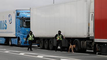 Granica w Calais - zdjęcie ilustracyjne