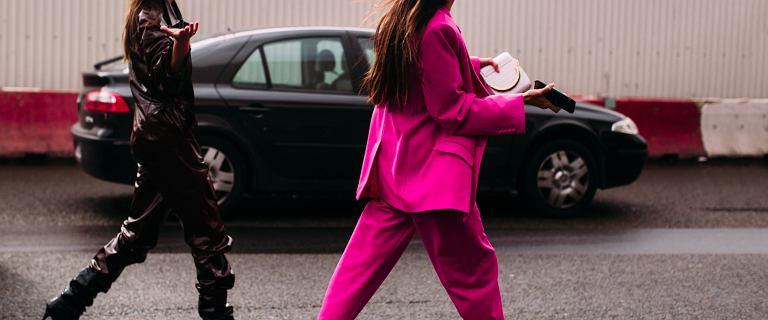 Polki pokochały damskie garnitury! Są eleganckie i niezwykle kobiece. Ten różowy podbił nasze serca!