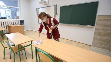 Rząd nie uwzględnił w szczepieniach części pracowników oświaty (zdjęcie ilustracyjne)