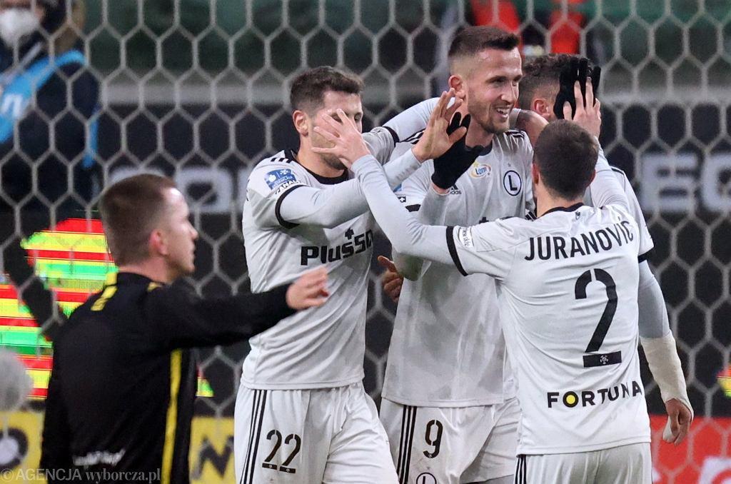 :Mecz pilki noznej Legia Warszawa - Stal Mielec w Warszawie