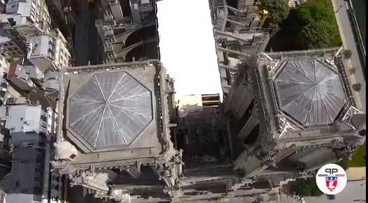 Dach katedry Notre Dame zabezpieczony