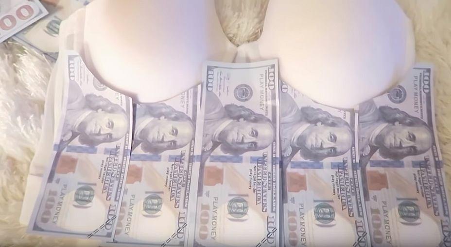 DIY: Sukienka z banknotów
