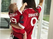 19a65bc32 Anna Lewandowska pokazała, jak Klara ćwiczy. Widać, że jej córka ma  sportowe geny