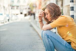 Depresja u dziecka - coraz poważniejszy problem. Łatwo ją pomylić z okresem dojrzewania [PYTAMY EKSPERTA]