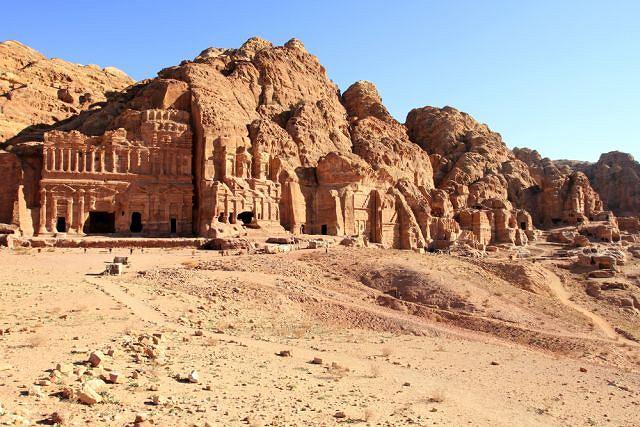 Petra, skalne miasto Jordanii