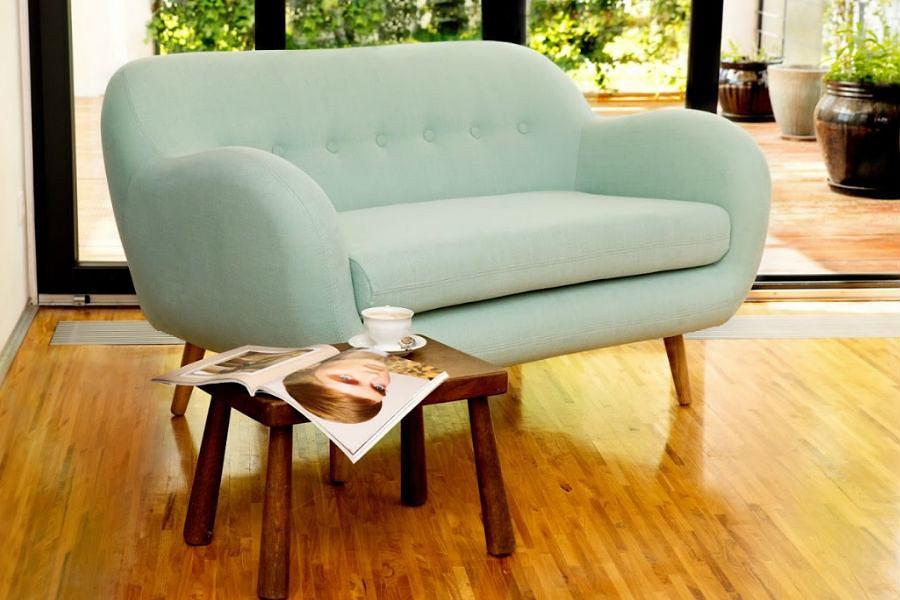 Miętowa sofa ożywi aranżację każdego salonu