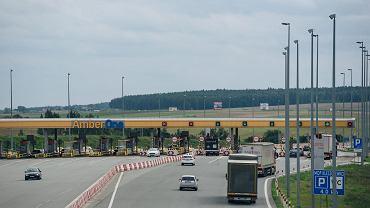 Bramki przy wjeździe na płatną na autostradę A1. Rusocin, 13 września 2017
