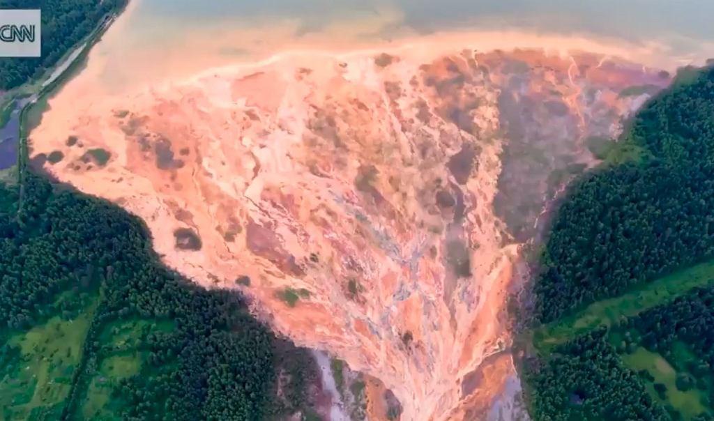 Rosja. Ogromny wyciek z kopalni siarczku miedzi
