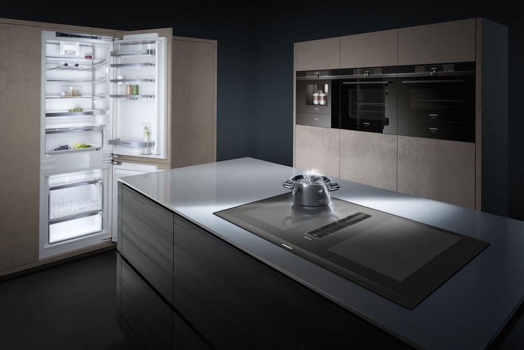 Kuchnia z innowacyjnym sprzętem od marki Siemens.