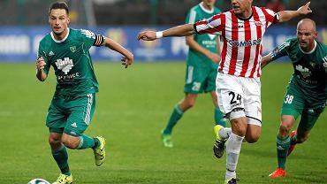 Katowice. GKS - Cracovia 1:3. Grzegorz Goncerz z lewej