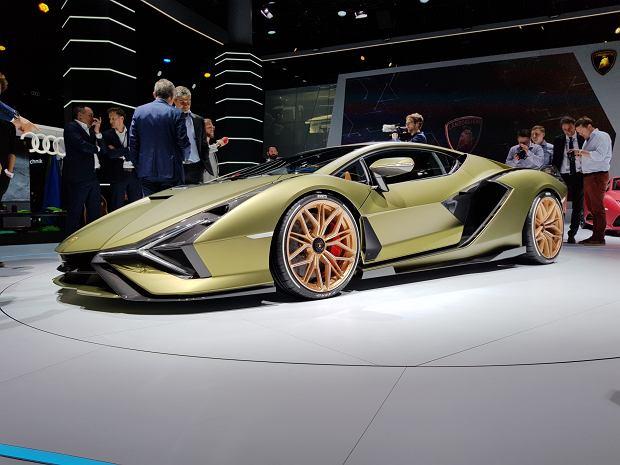 Lamborghini Sian również ma silnik elektryczny. Choć mały