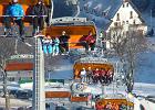 Działa już kilkanaście stacji narciarskich w Polsce i na Słowacji. W wielu obowiązują promocyjne ceny karnetów