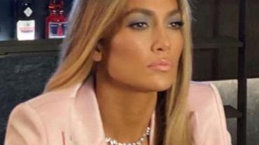 Jennifer Lopez w najnowszym wideo wystąpiła w garniturze od polskiej projektantki. Wyglądała pięknie!