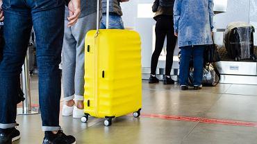 Amerykański pilot-celebryta wyjaśnia, dlaczego walizki z obrotowymi kółkami to zmora współczesnych lotnisk
