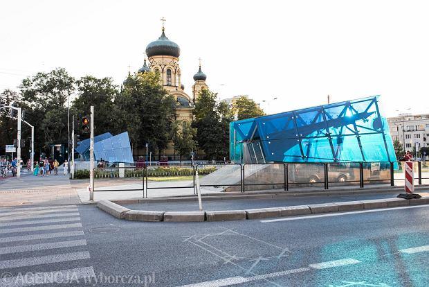 Widok na fragment węzła komunikacyjnego, który po zakończeniu budowy metra powstał między cerkwią a Galerią Wileńską