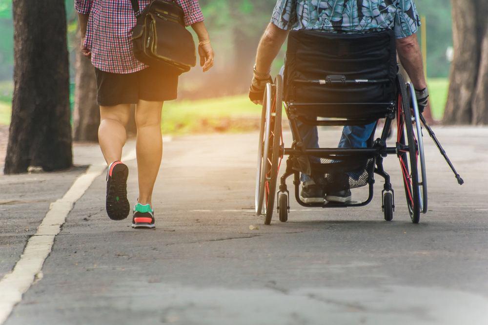 Stwardnienie rozsiane: objawy, leczenie, przyczyny, długość życia. Zdjęcie ilustracyjne
