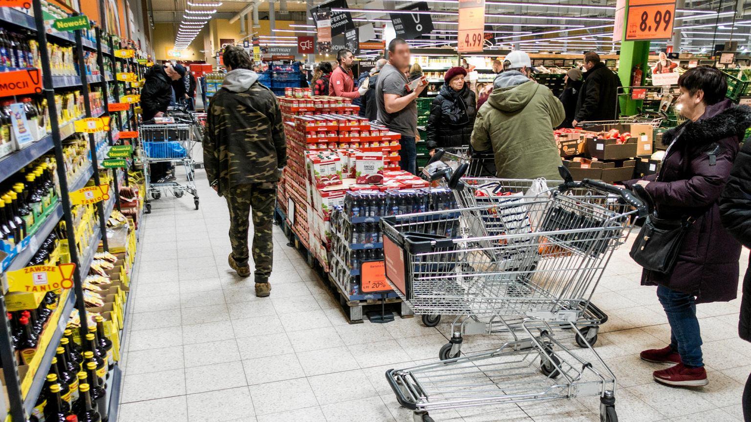 Niedziele handlowe w 2020 r. Zakaz handlu w niektóre niedziele tylko do 14:00 | Biznes na Next.Gazeta.pl