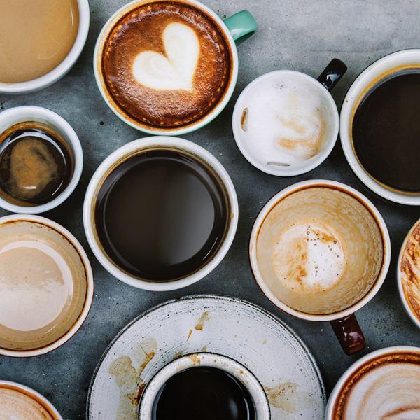 Jak przyrządzać i podawać najpopularniejsze rodzaje kawy?