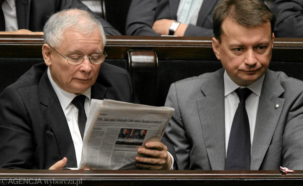 Prezes PiS Jarosław Kaczyński i Mariusz Błaszczak w Sejmie.