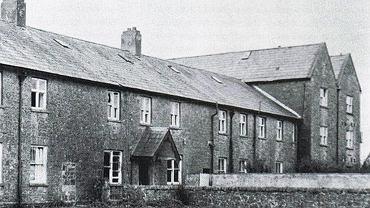 Katolicki sierociniec i dom samotnej matki w Tuam w Irlandii