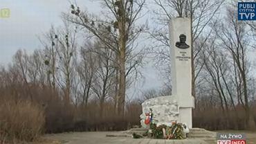 Pomnik gen. Iwana Czerniachowskiego w Pieniężnie