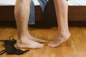 Przebieranki w seksie: Udawanie znienawidzonej pielęgniarki tylko dlatego, że jemu się to podoba, nie wróży najlepiej