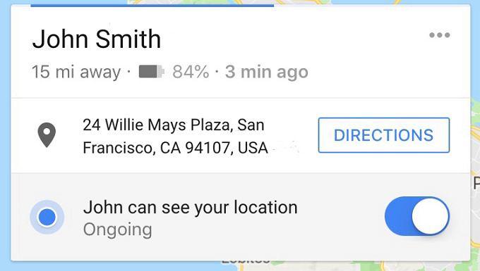 Udostępnianie lokalizacji przez Mapy Google informuje też o stanie baterii