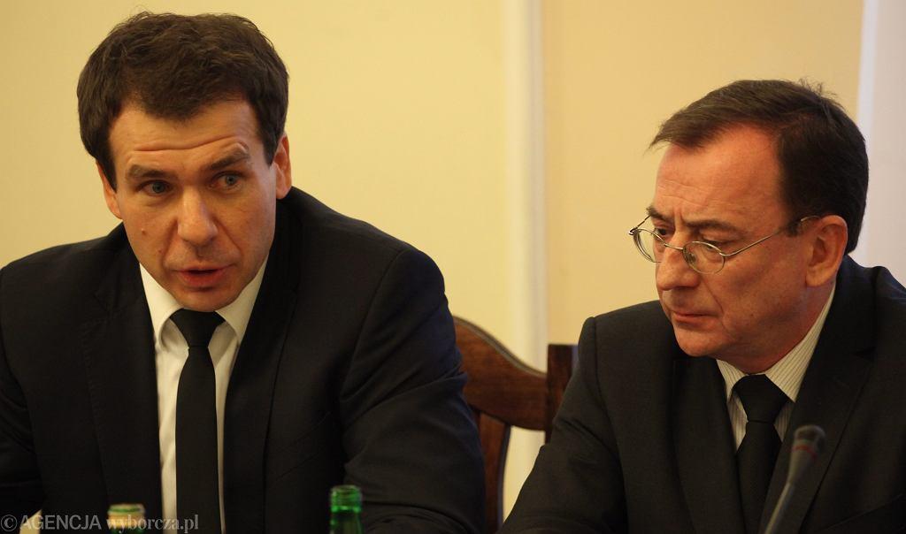 Ernest Bejda jako szef CBA i Mariusz Kamiński, ówczesny minister koordynator służb specjalnych, dziś także minister spraw wewnętrznych. Zdjęcie z 25 stycznia 2017 r.