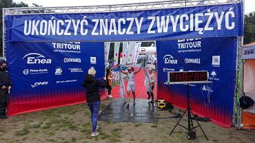Agnieszka Jerzyk na mecie - Prime Food Triathlon Przechlewo 2016