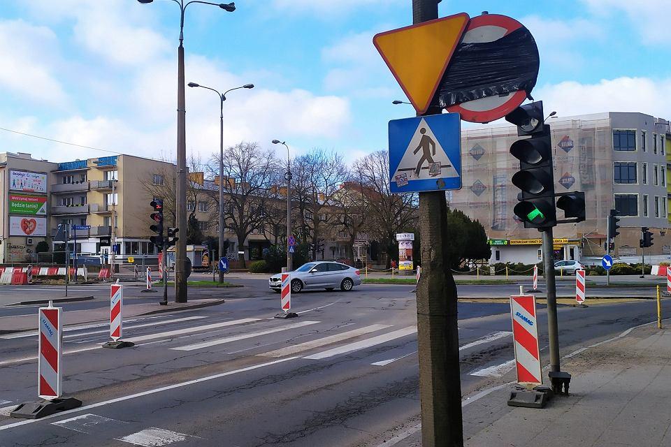 Kwiecień 2021 r. Nowa organizacja ruchu na skrzyżowaniu w centrum Gorzowa i przebudowa na ulicach Chrobrego oraz Mieszka I