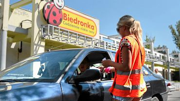 95 złotych za parking pod Biedronką. Reklamacja zostanie uwzględniona... po okazaniu biletu