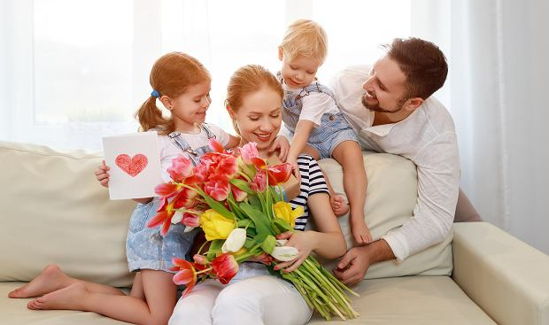 Życzenia na Dzień Matki - najpiękniejsze wierszyki dla mamy