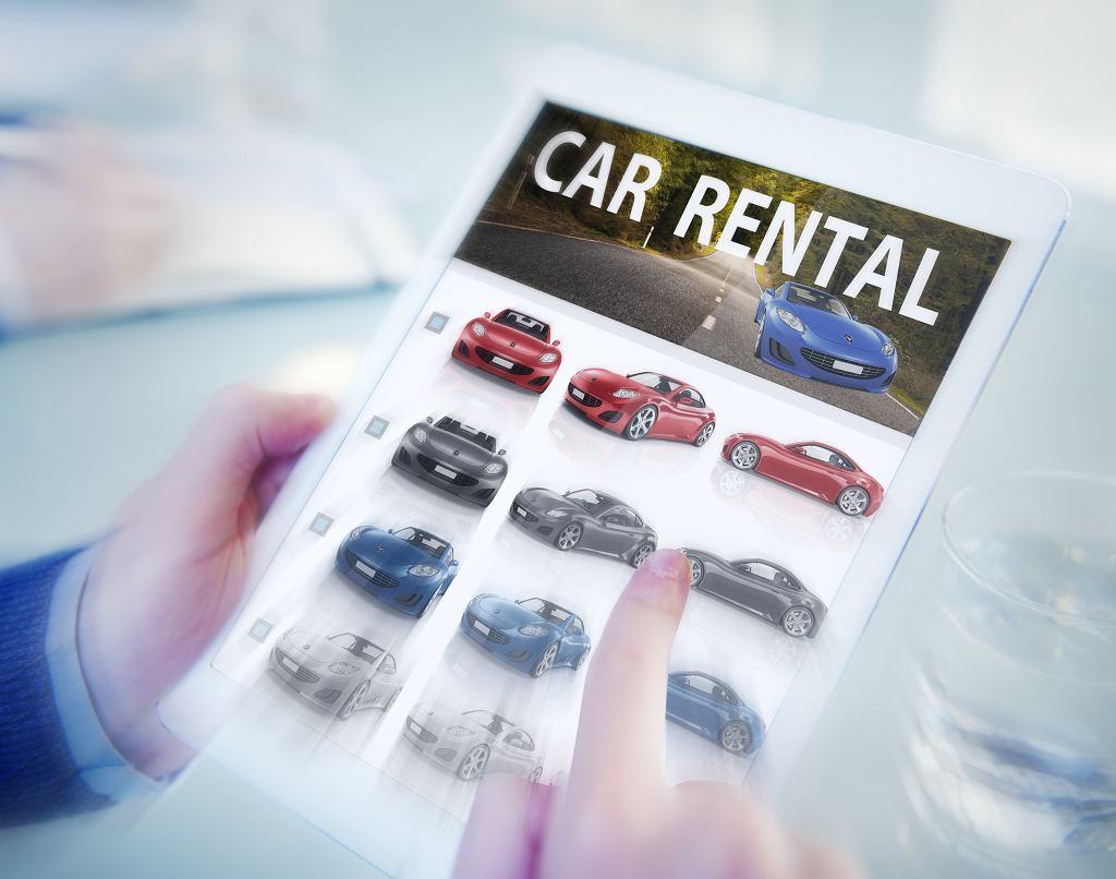 Wypożyczalnia samochodów oferuje wiele modeli w różnych cenach. Zdjęcie ilustracyjne, Rawpixel.com/shutterstock.com