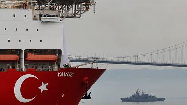 Turecki statek wiertniczy Yavuz